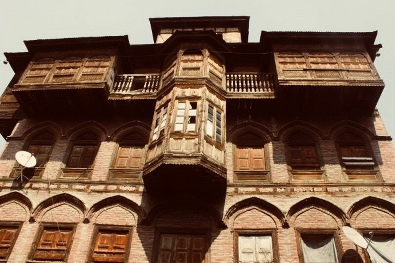 Architecture of Kashmir- Beauty amidst chaos - Sheet2