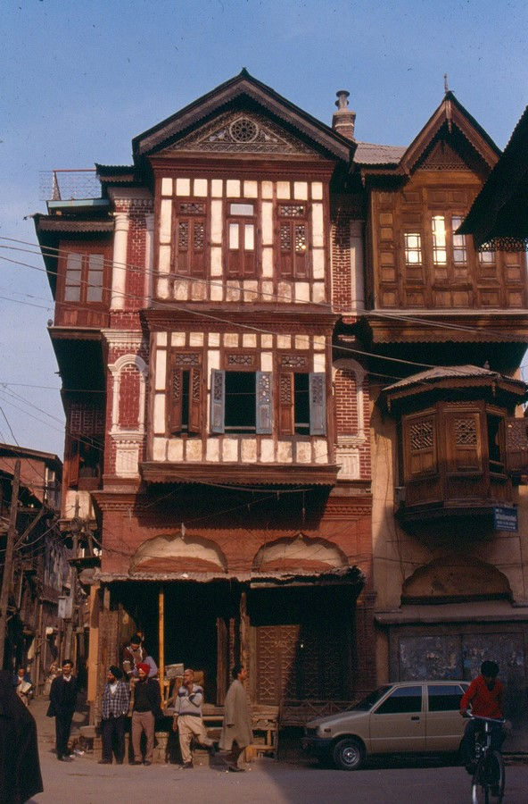 Architecture of Kashmir- Beauty amidst chaos - Sheet8