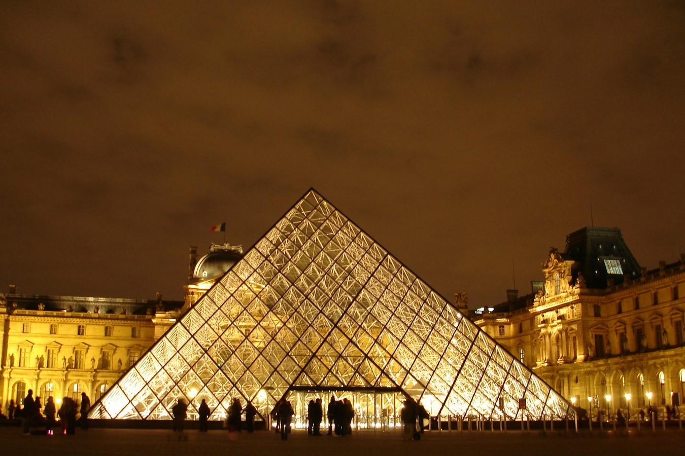 I.M.Pei- Louvre Pyramid - Sheet2