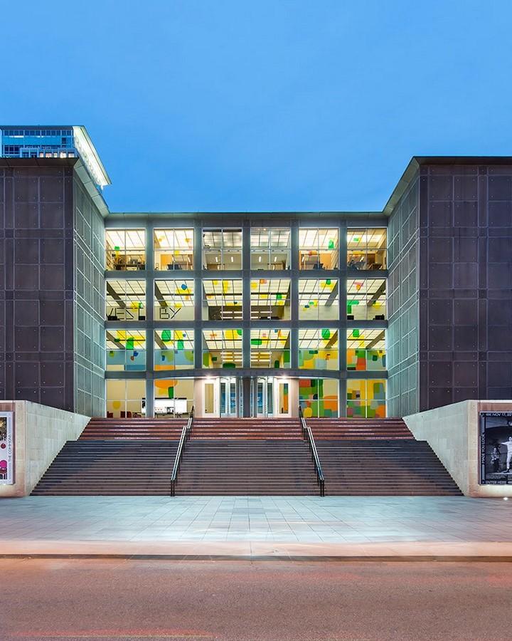 Chicago Museum of Contemporary Art - Sheet1