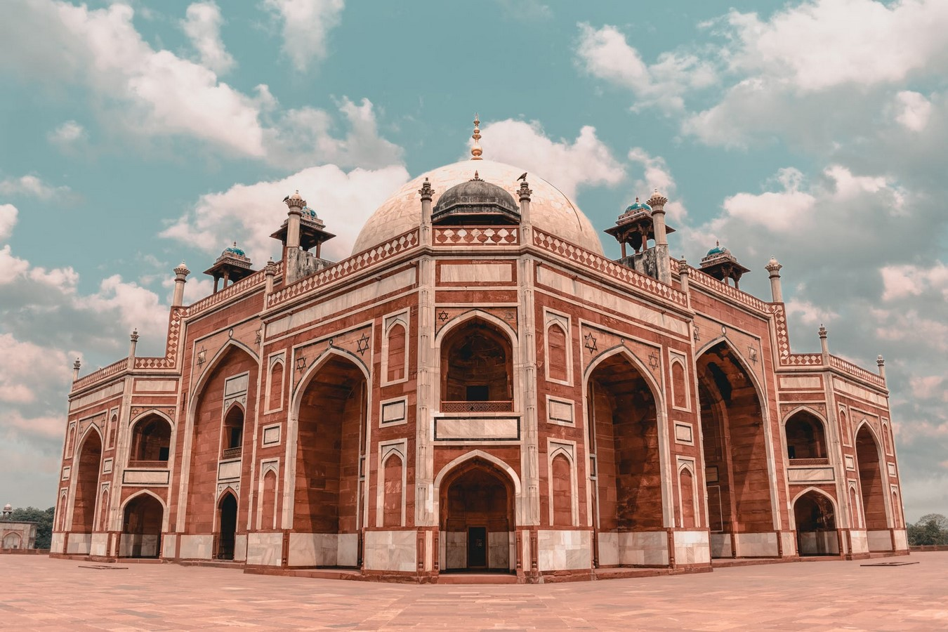 8 Cities in India where Islamic influence on architecture is evident - Sheet1