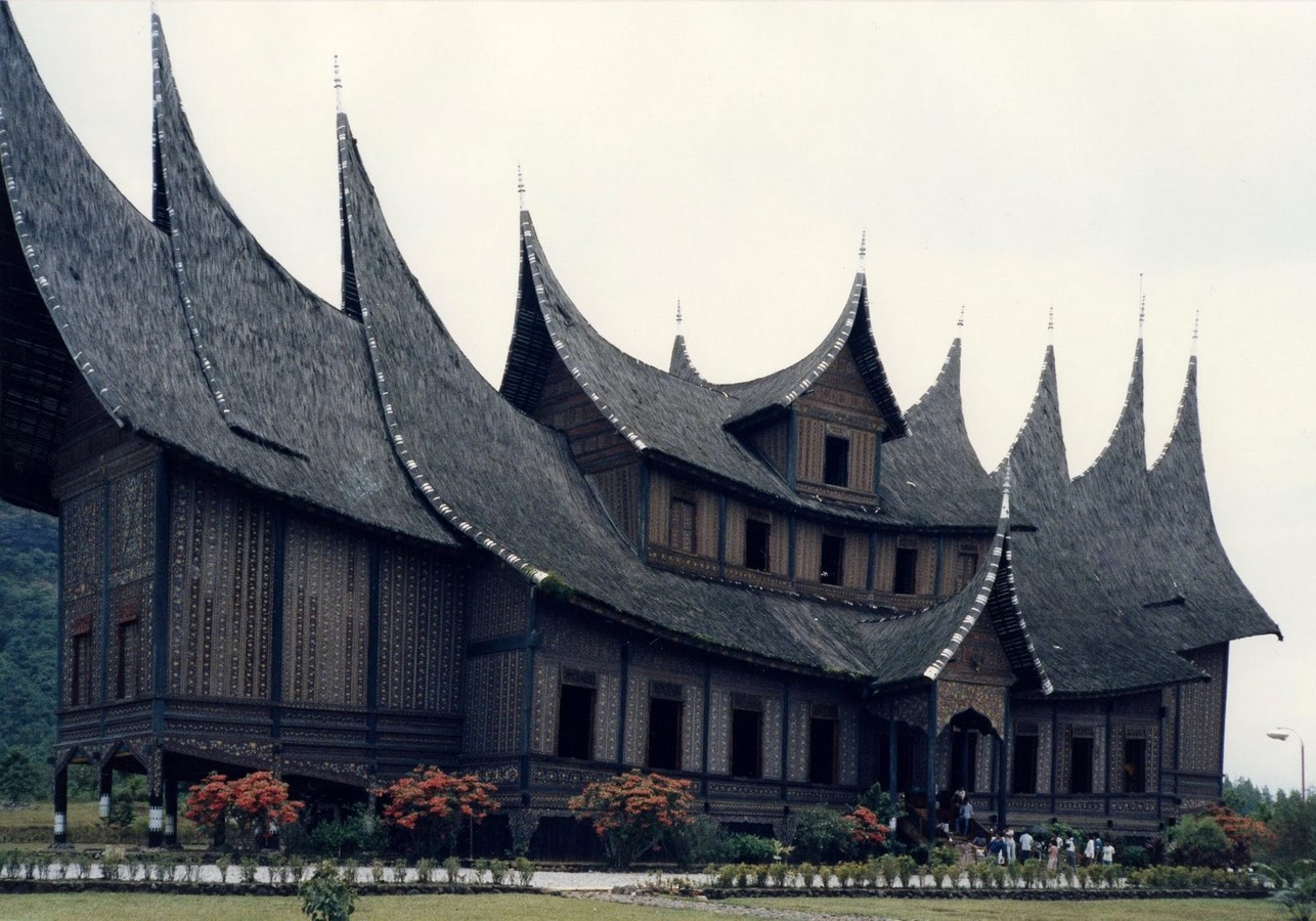 Different cultural influences in Indonesian architecture throughout history - Sheet1