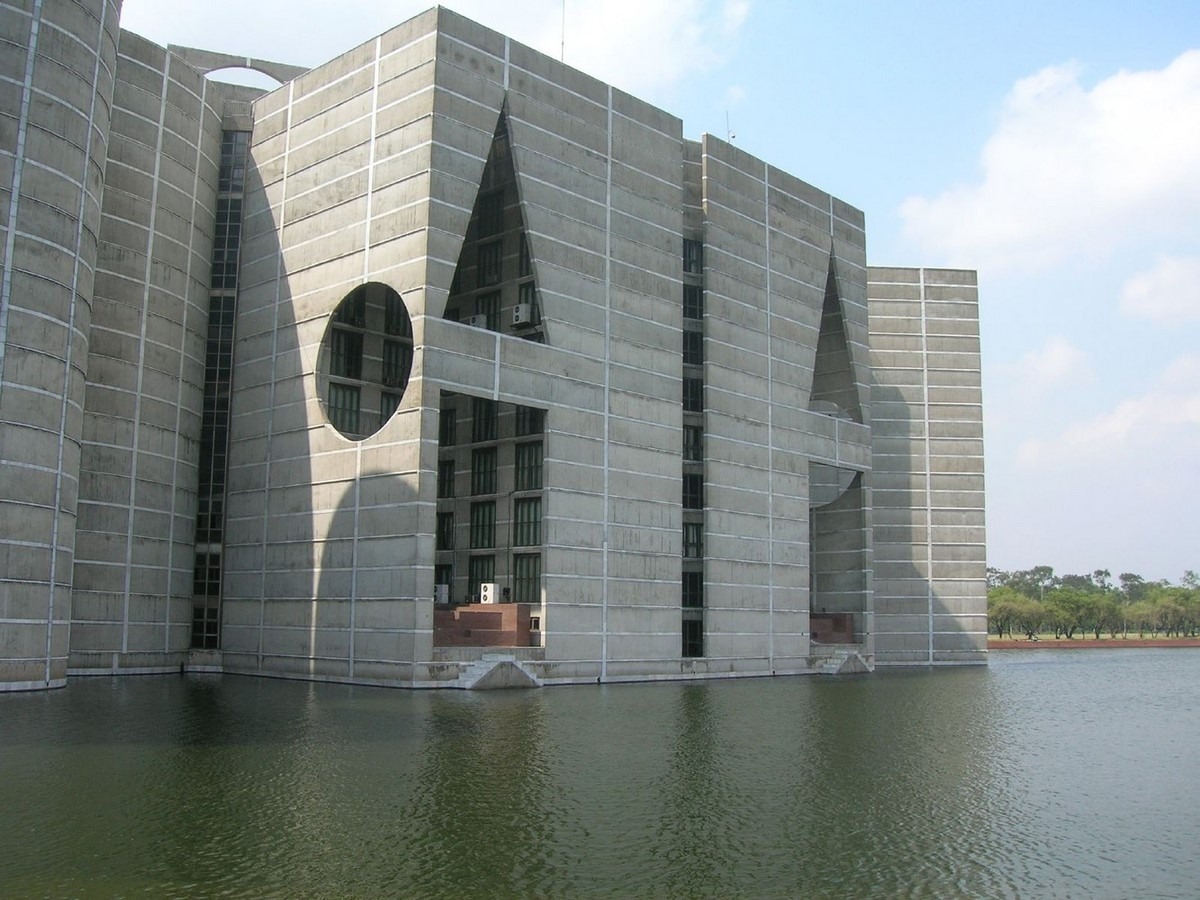 10 Examples of Brutalist Architecture around the world - Sheet10
