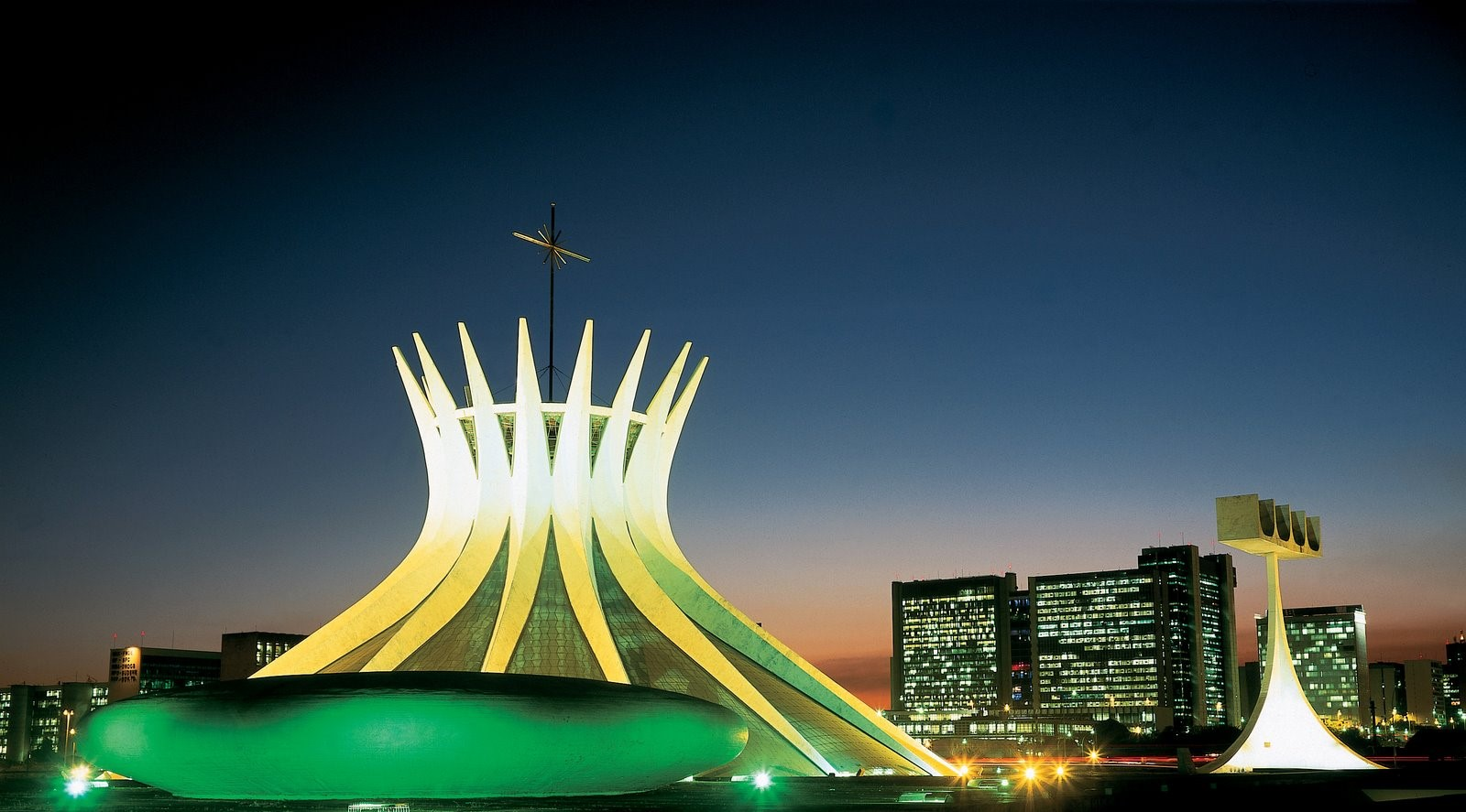 Cathedral of Brasília by Oscar Niemeyer-Hyperbolic structure built from Concrete - Sheet2