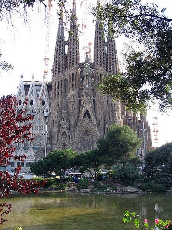 The development and implementation of Gaudi's design philosophy - Sheet3