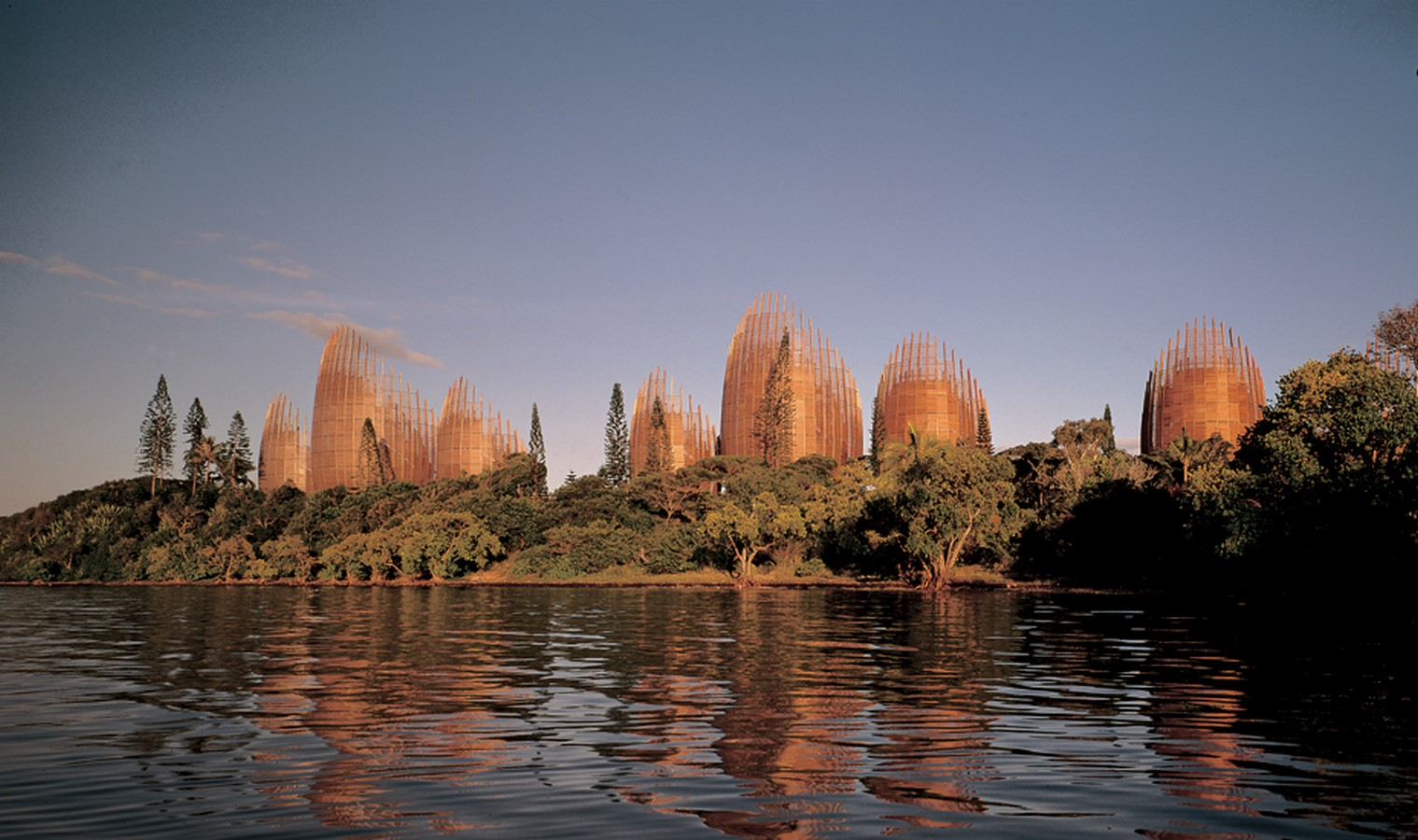 Jean-Marie Cultural Center by Renzo Piano: Symbolizing the Kanak civilization - sheet 4