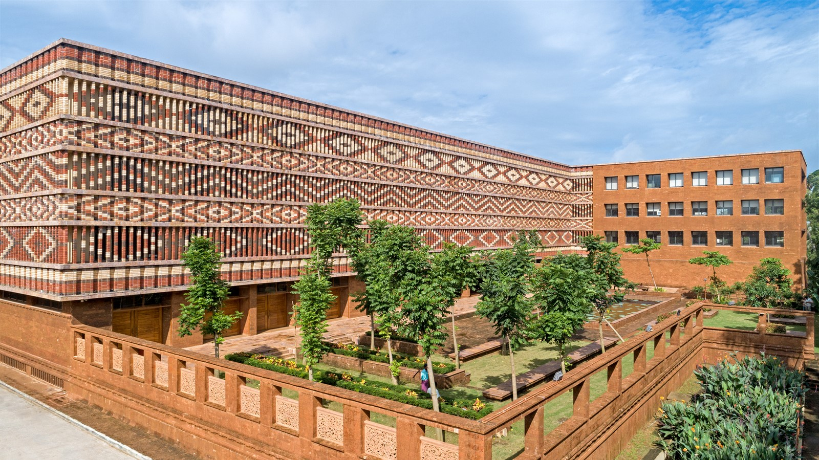 10 Buildings with fascinating facades in India - Sheet2