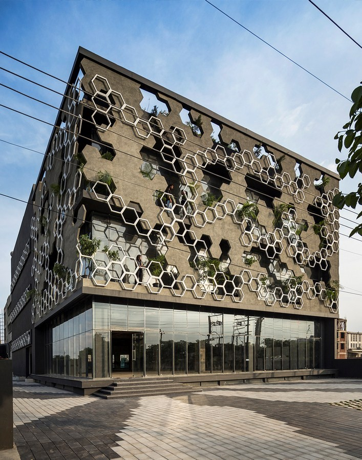 10 Buildings with fascinating facades in India - Sheet4