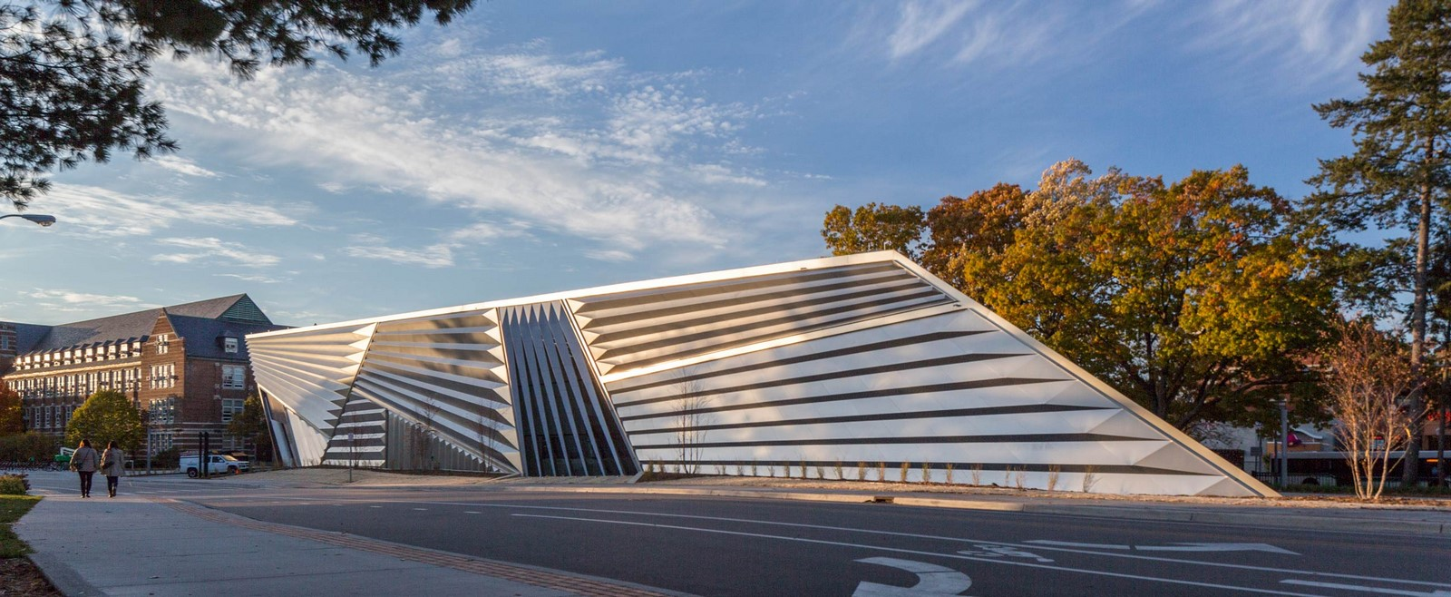 Eli and Edythe Broad Art Museum by Zaha Hadid: Pleated Architecture - Sheet2
