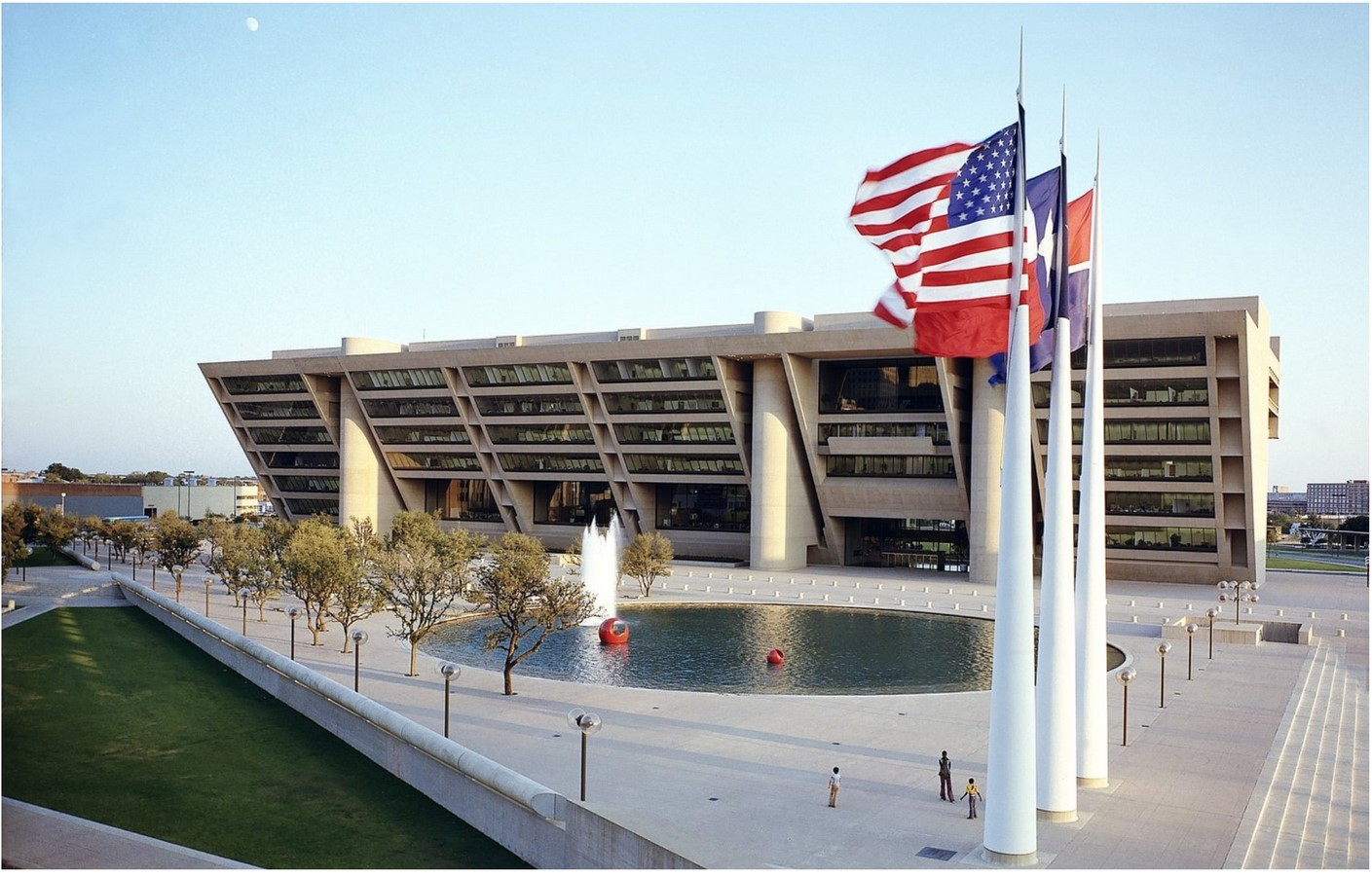 Dallas City Hall, USA by I.M. Pei: The Inverted pyramid design - Sheet1