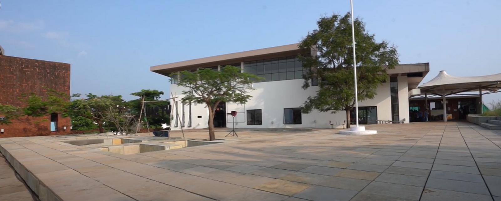 Goa institute of management by Brinda Somaya: Bridge between traditional and conventional design - Sheet7