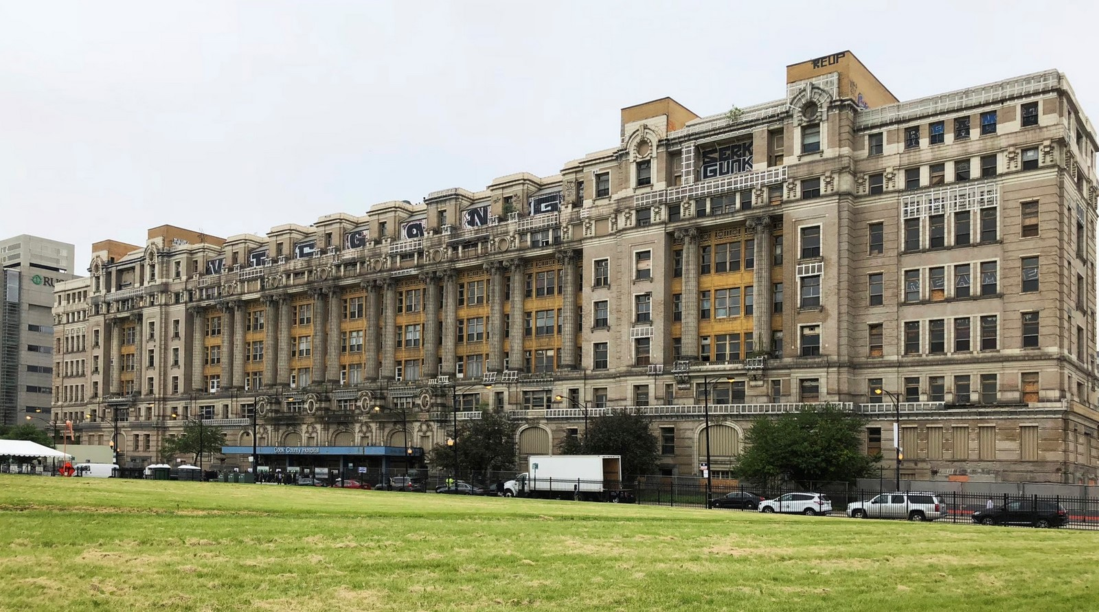 Chicago's 100-Year-Old Cook County Hospital transformed by SOM - Sheet2