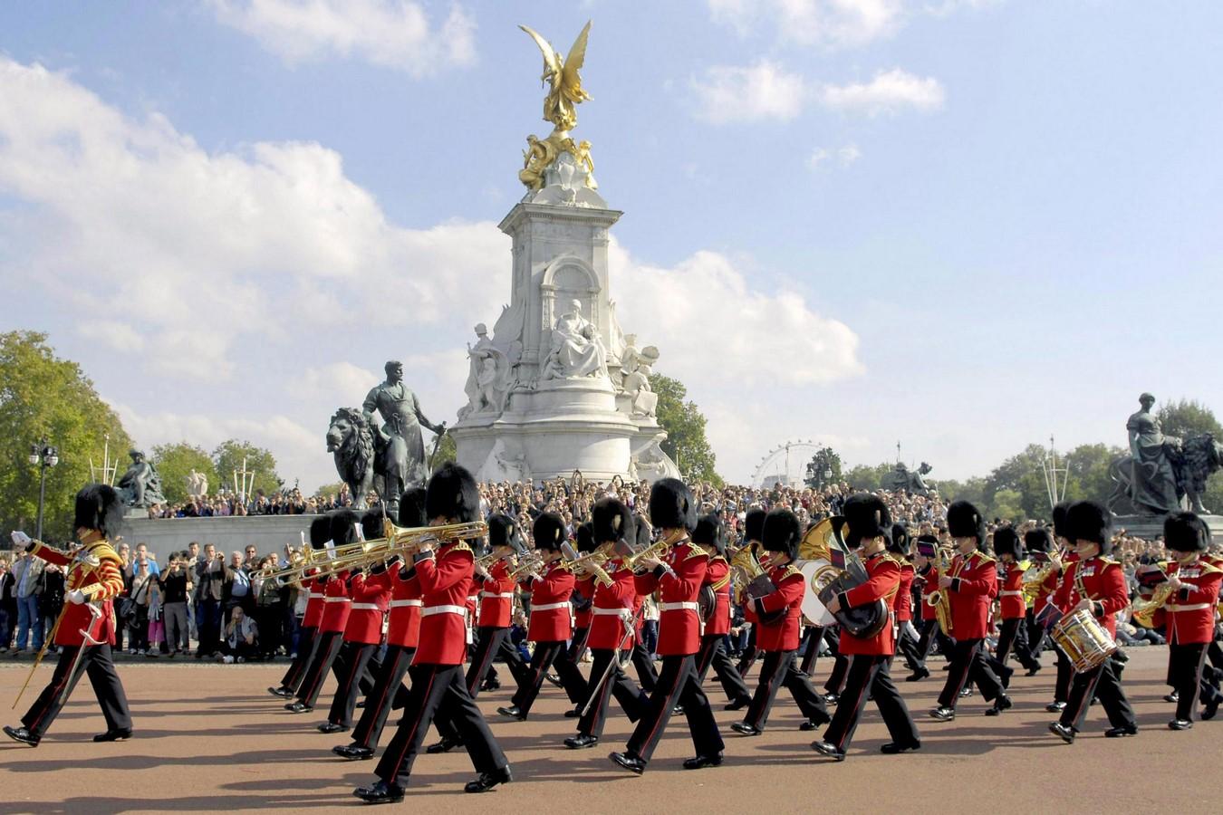 Buckingham Palace by John Nash- Home to the Monarchs- sheet8