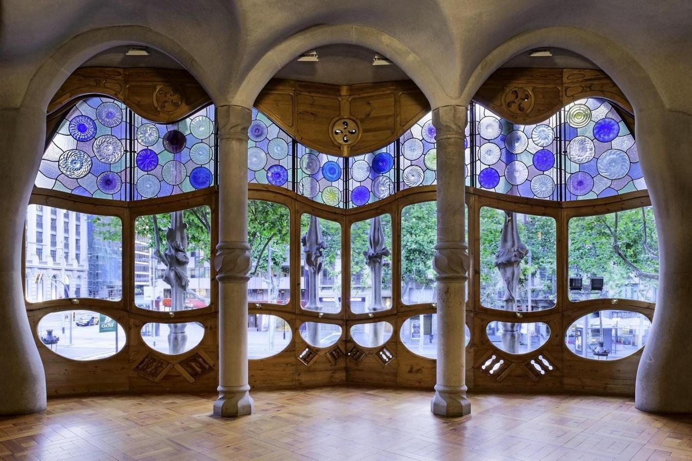 Documentaries for Architects: Antonio Gaudí (1984) – Japan - Sheet6