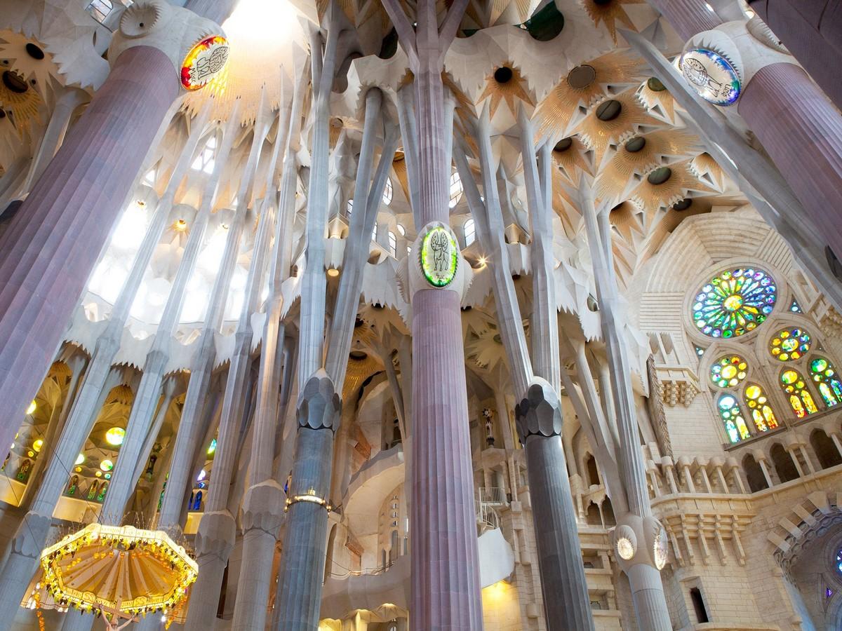 Documentaries for Architects: Antonio Gaudí (1984) – Japan - Sheet8