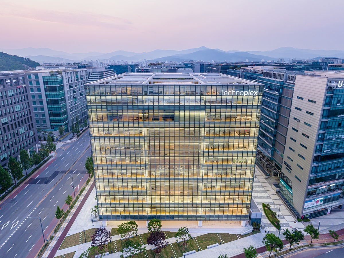 Hankook Technoplex On The Outskirts Of Seoul completed by Foster + Partners - Sheet1