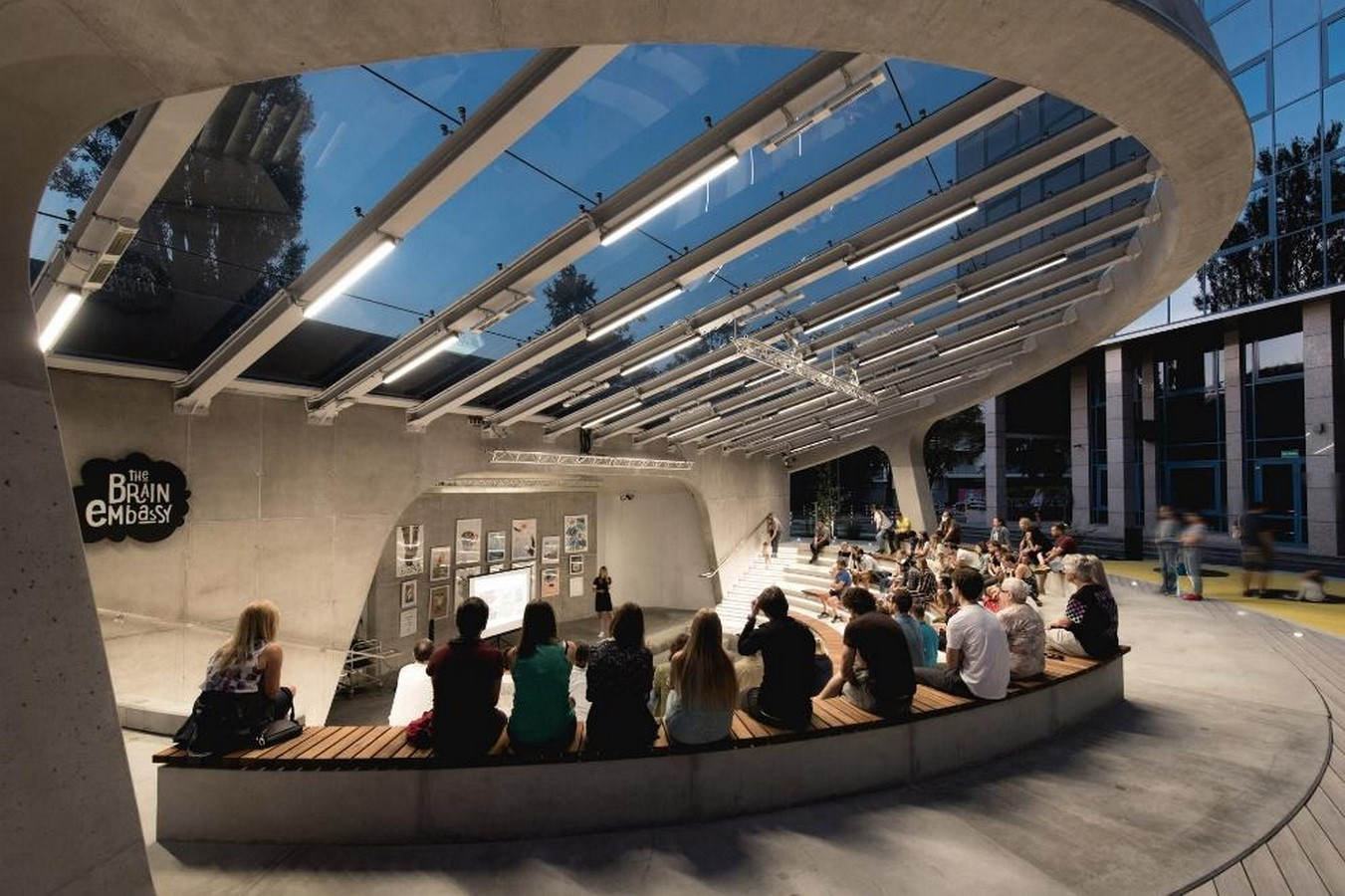 A concrete amphitheater as an 'open, democratic space' in Warsaw designed by Lina - Sheet9