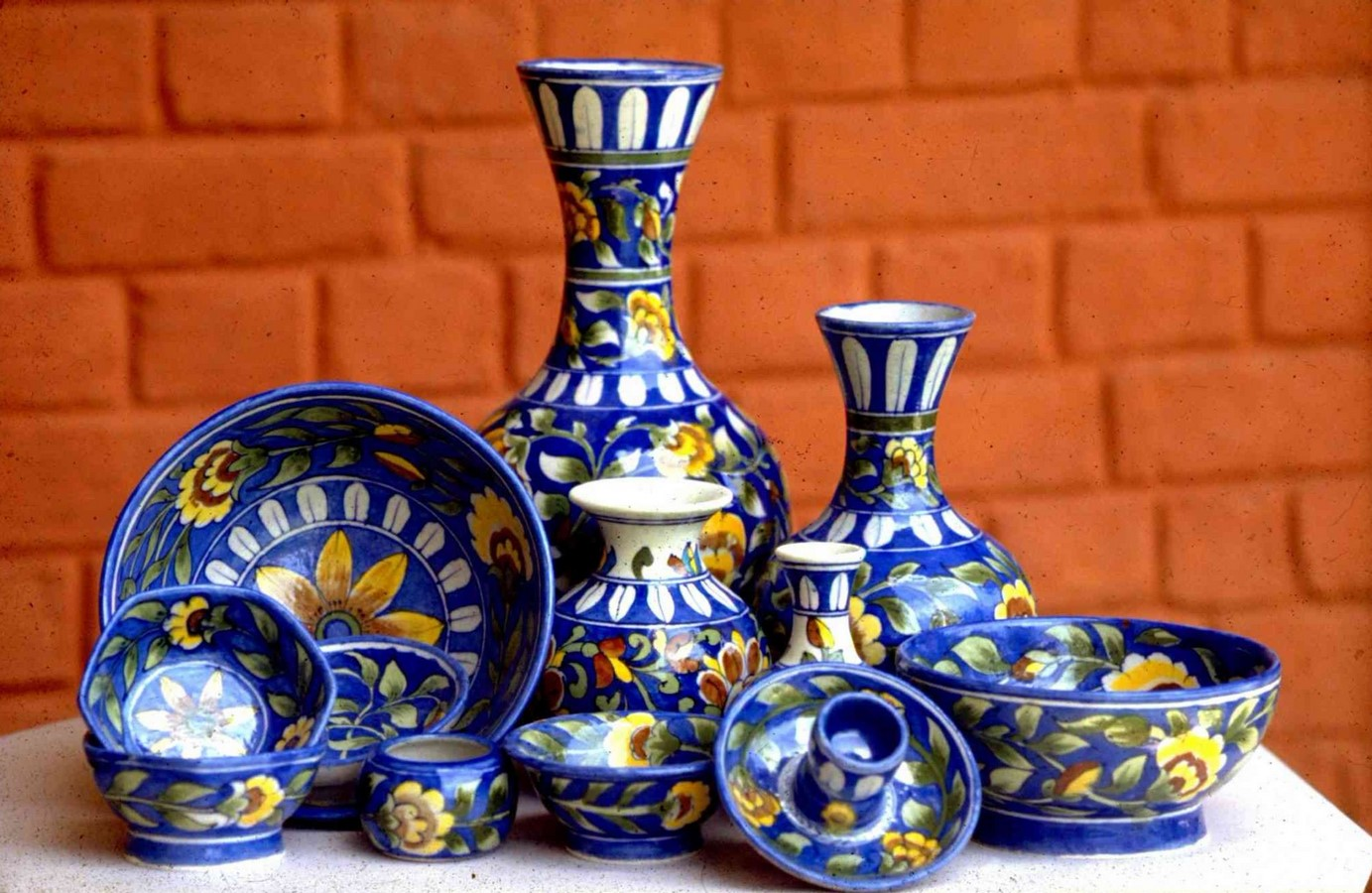 10 Unknown Handicrafts of Rajasthan -BLUE POTTERY - Sheet1