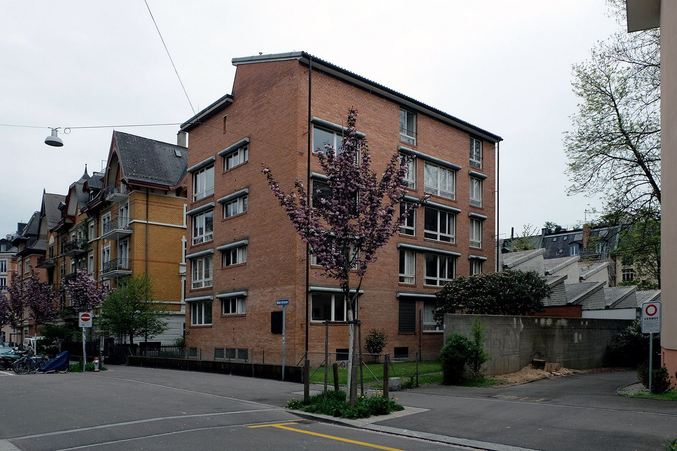 Atelier and Apartments for Cooperative Painter and Sculptor