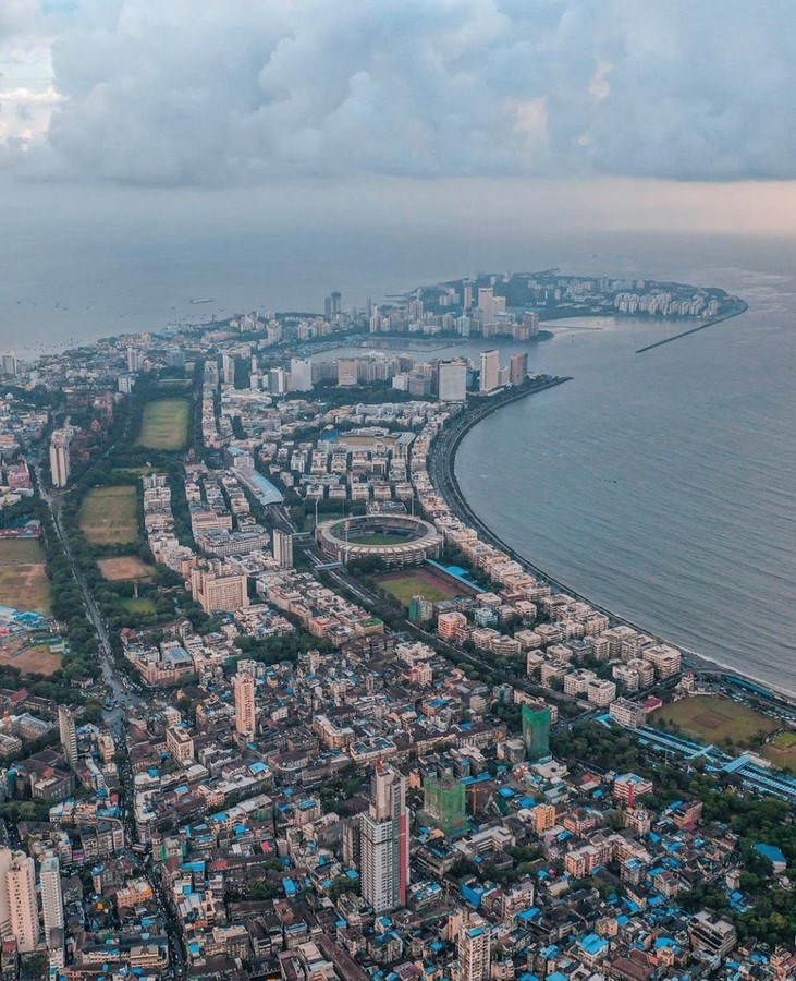 How does the cultural diversity in Mumbai reflect in its architecture? - Sheet1