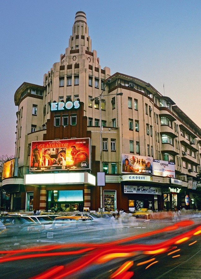 How does the cultural diversity in Mumbai reflect in its architecture? - Sheet7
