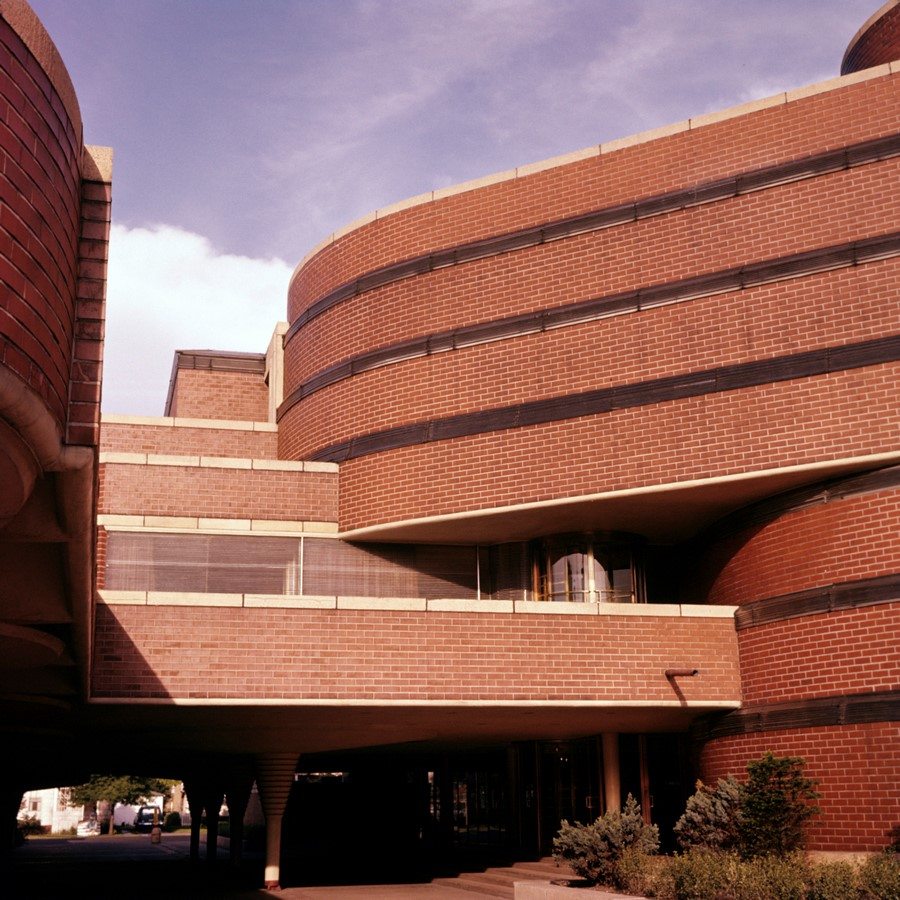 Administration building of S.C. Johnson by Frank Lloyd Wright: A space that impacted - Sheet4