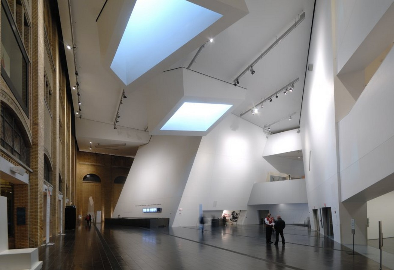 Royal Ontario Museum by Daniel Libeskind: The modern Crystal - Sheet10
