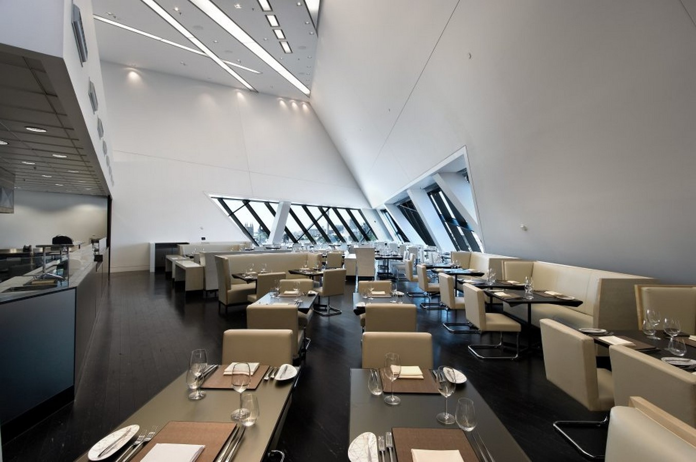 Royal Ontario Museum by Daniel Libeskind: The modern Crystal - Sheet3