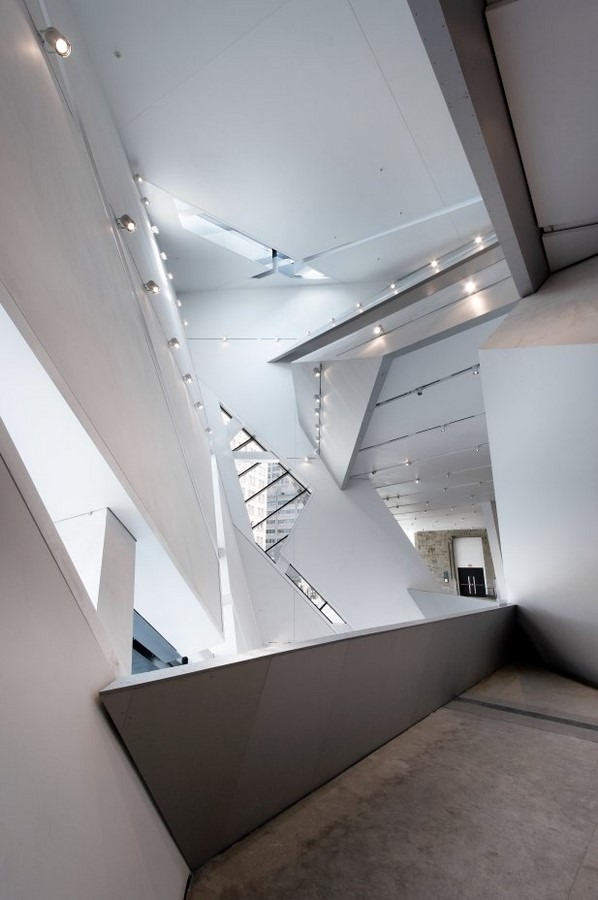 Royal Ontario Museum by Daniel Libeskind: The modern Crystal - Sheet9