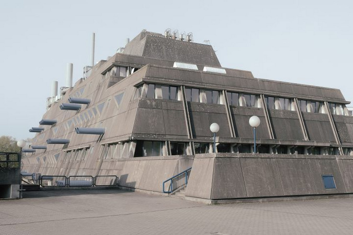 8 Examples of Brutalist architecture in Germany - Sheet13
