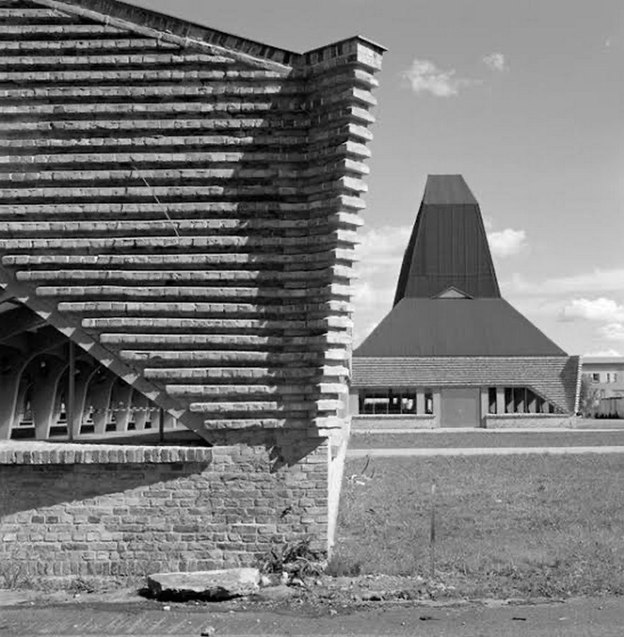 8 Examples of Brutalist architecture in Germany - Sheet3