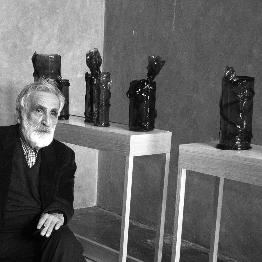 Italian designer Enzo Mari and his wife, art critic Lea Vergine complications - Sheet3