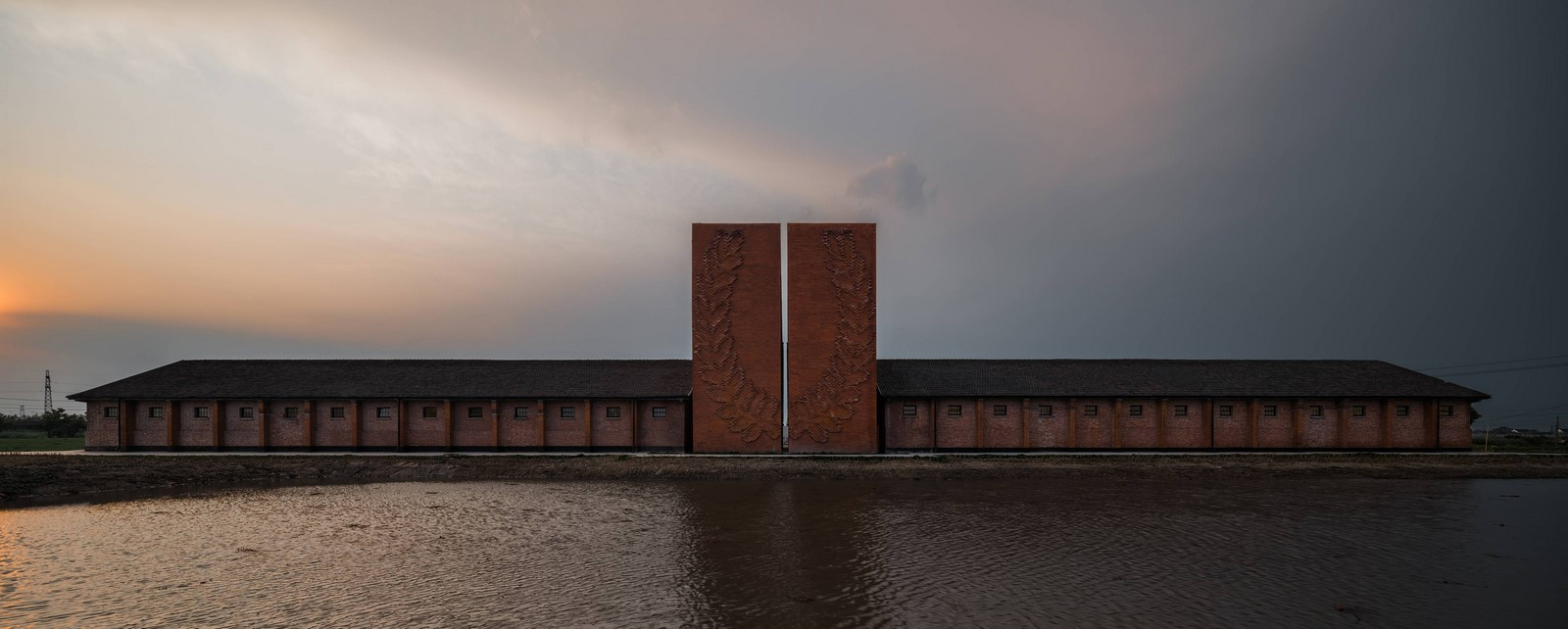 Old Granaries repurposed As An Art Centre With Flowing Brick Corridors In Jiaxing by Roarc Renew - Sheet7
