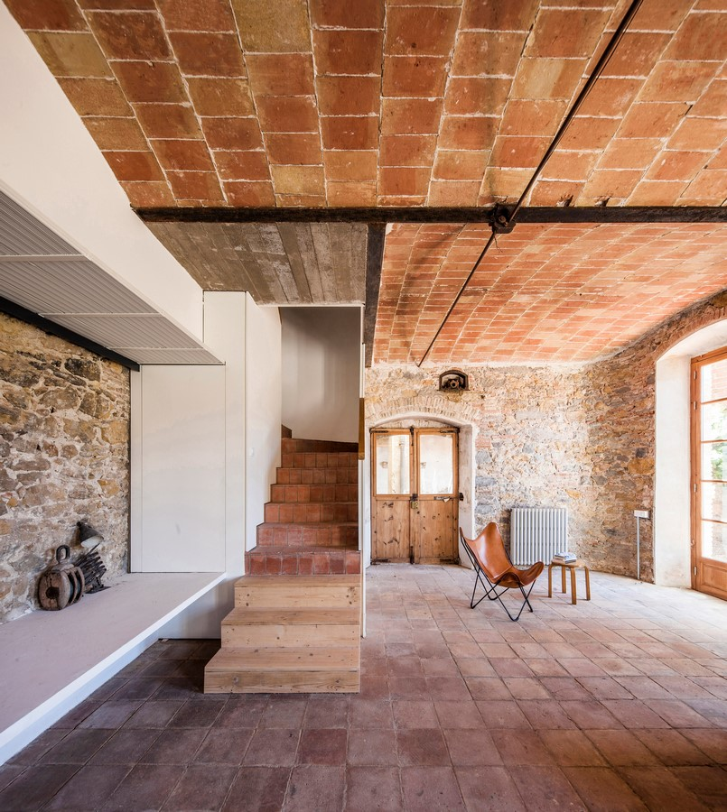 Former Chocolate Factory converted into Residence With Stone Walls In Spain by Anna & Eugeni Bach - Sheet8