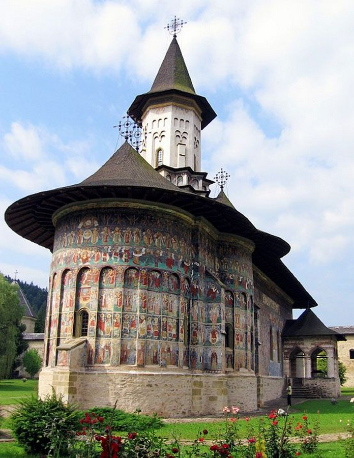 10 Reasons why architects must visit Romania - Sheet3