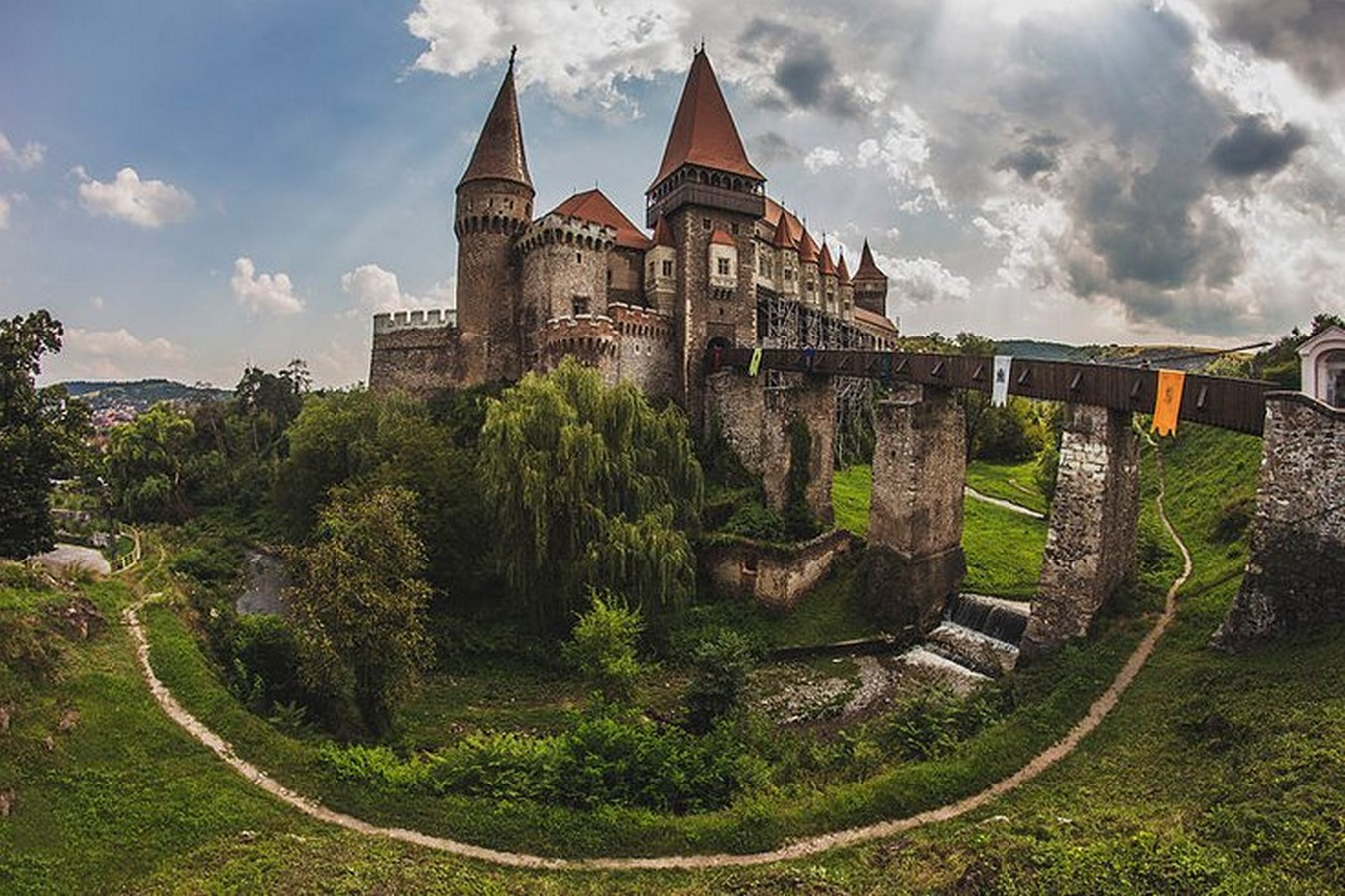 10 Reasons why architects must visit Romania - Sheet5