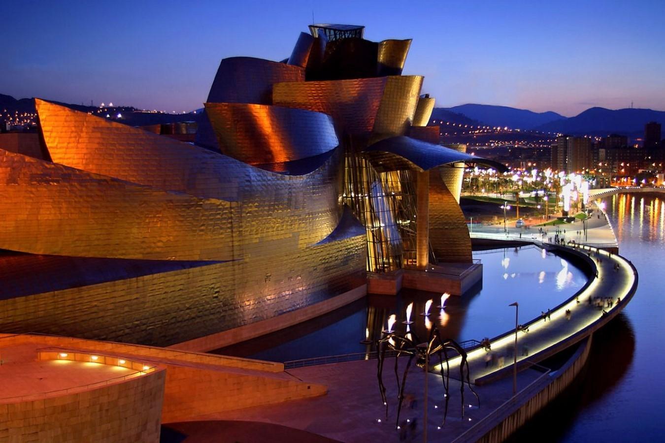 Guggenheim Bilbao (Bilbao, Spain) - Sheet2