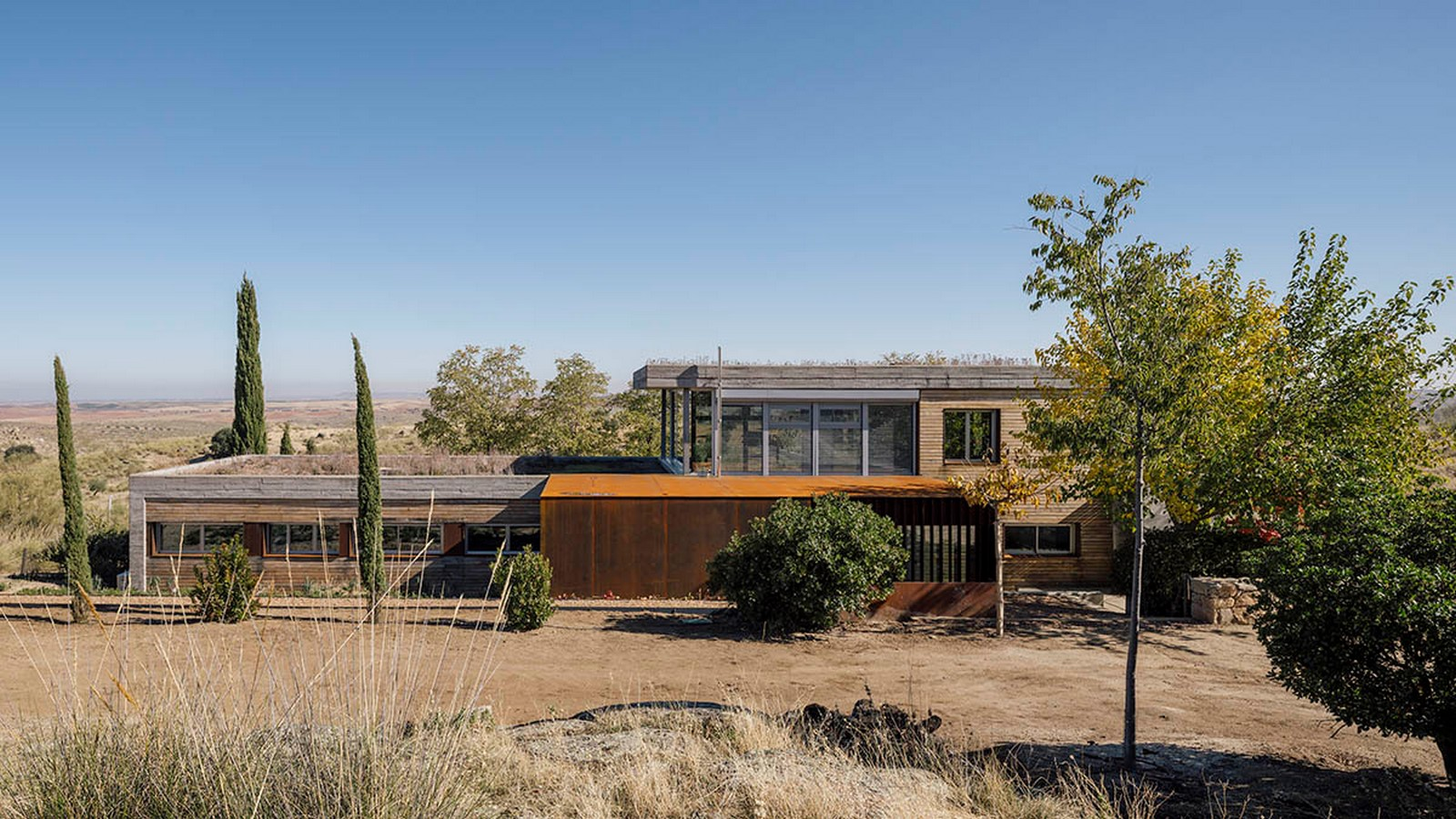 Two-Piece House With Corten Steel Addition In Toledo, Spain completed by DelaVegaCanolasso - Sheet1