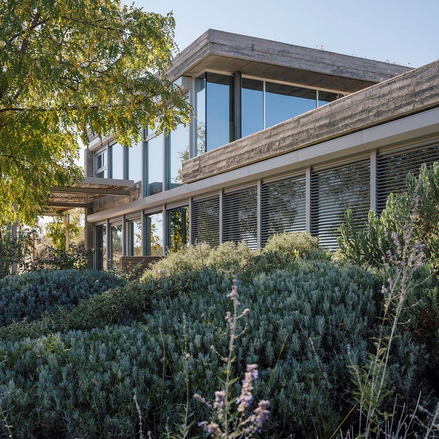 Two-Piece House With Corten Steel Addition In Toledo, Spain completed by DelaVegaCanolasso - Sheet4