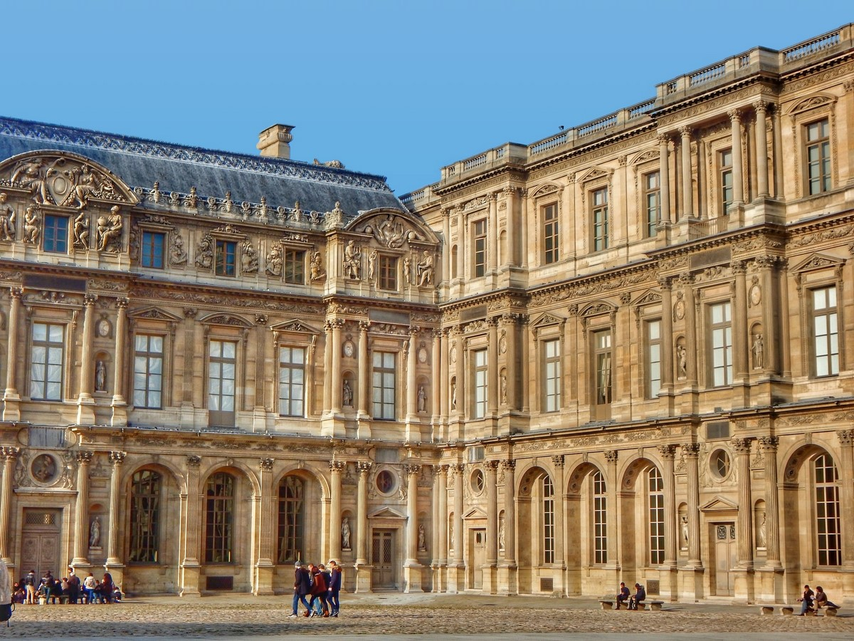 10 Things you did not know about Louvre Pyramid by I.M. Pei - sHEET3