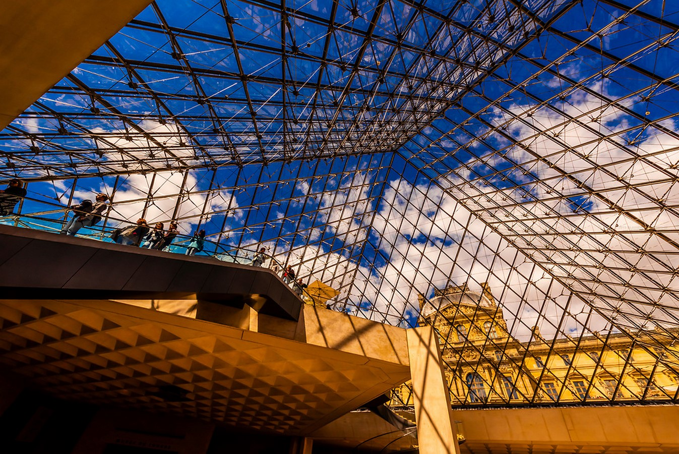 10 Things you did not know about Louvre Pyramid by I.M. Pei - sHEET8