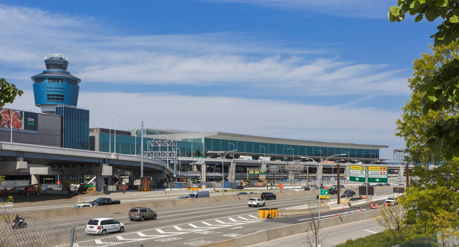 LaGuardia Airport by HOK: Advanced for it's time yet criticized - Sheet1