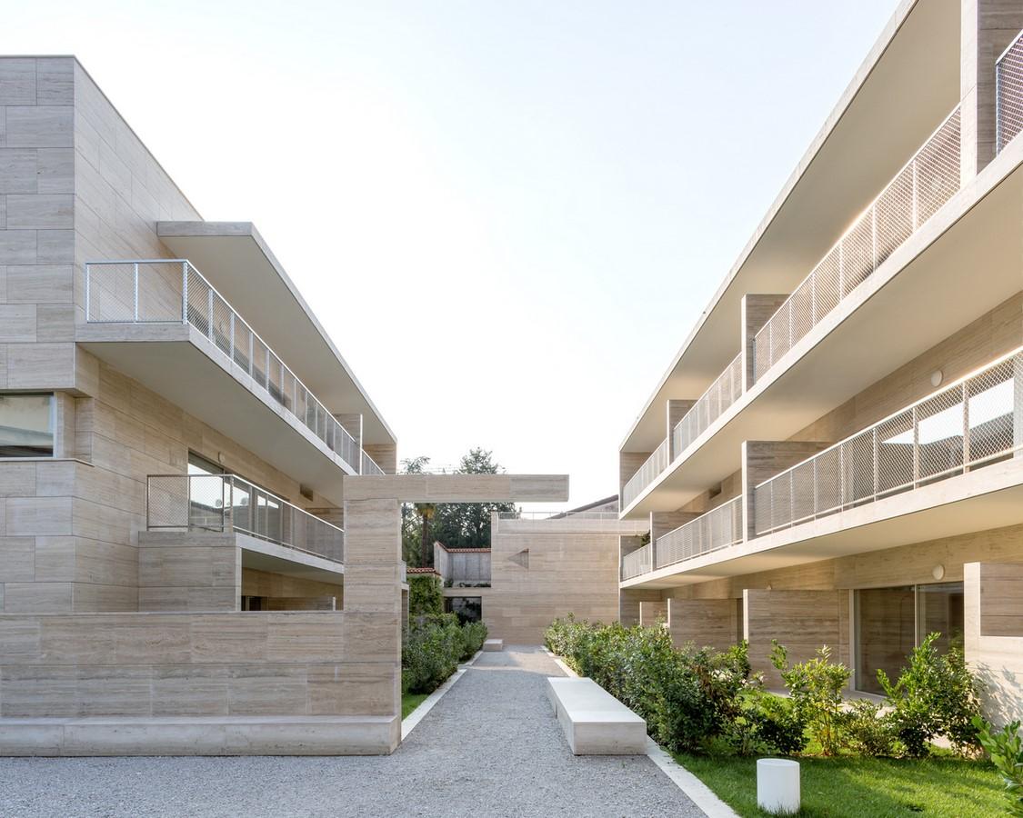 Álvaro Siza and COR Arquitectos create travertine housing in Lombardy - SHeet1
