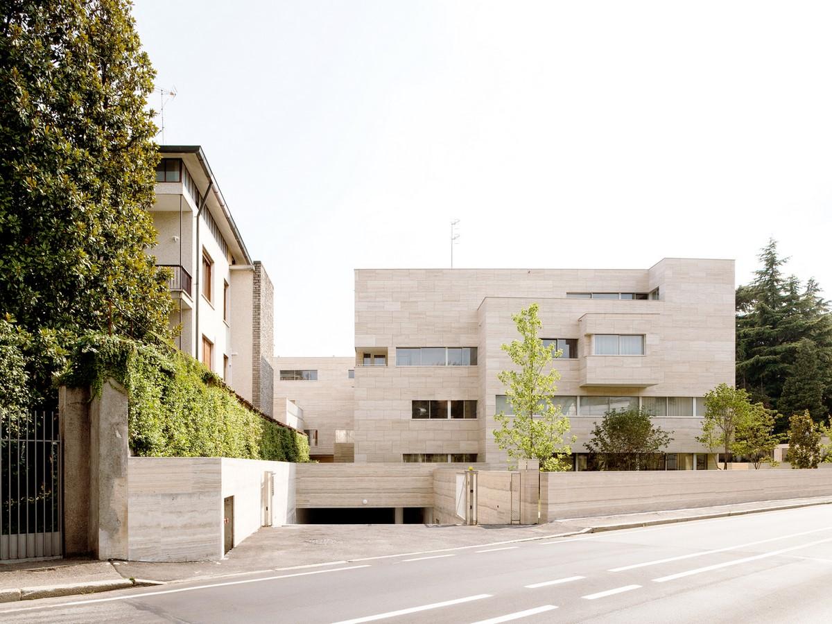 Álvaro Siza and COR Arquitectos create travertine housing in Lombardy - SHeet5