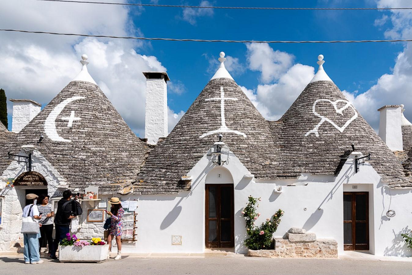 Alberobello, Puglia, region of Apulia; The Cone-shaped Trulli Houses - Sheet2