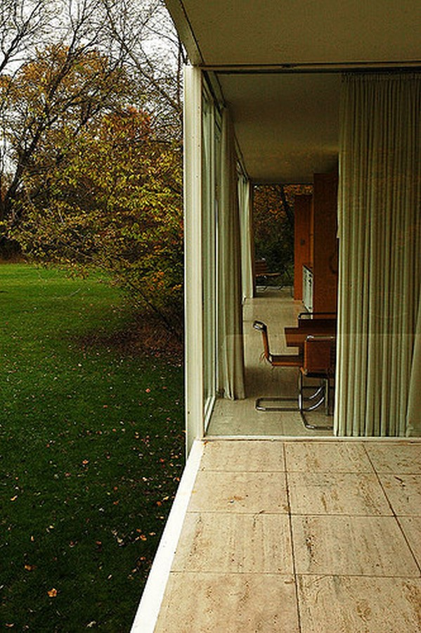 Farnsworth House by Mies van der Rohe: A bond between the House and Nature - Sheet7