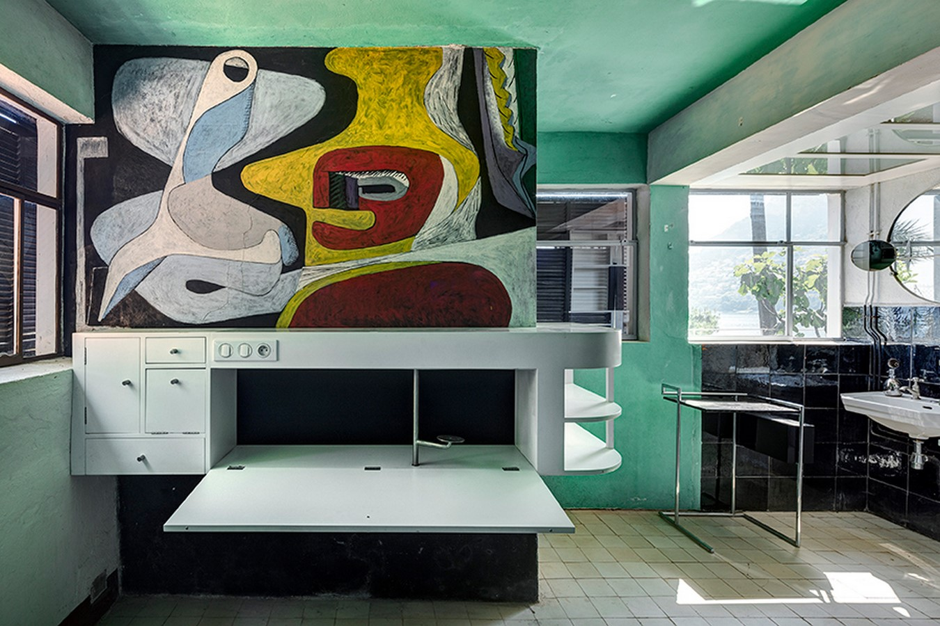 She accused Le Corbusier of vandalizing - Sheet1