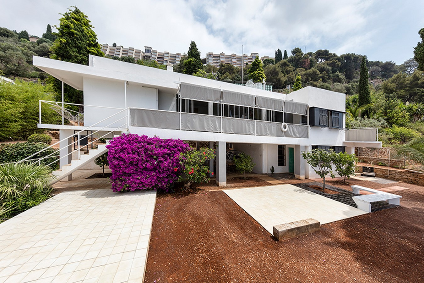 An iconic villa was designed by her without any architectural training - Sheet3