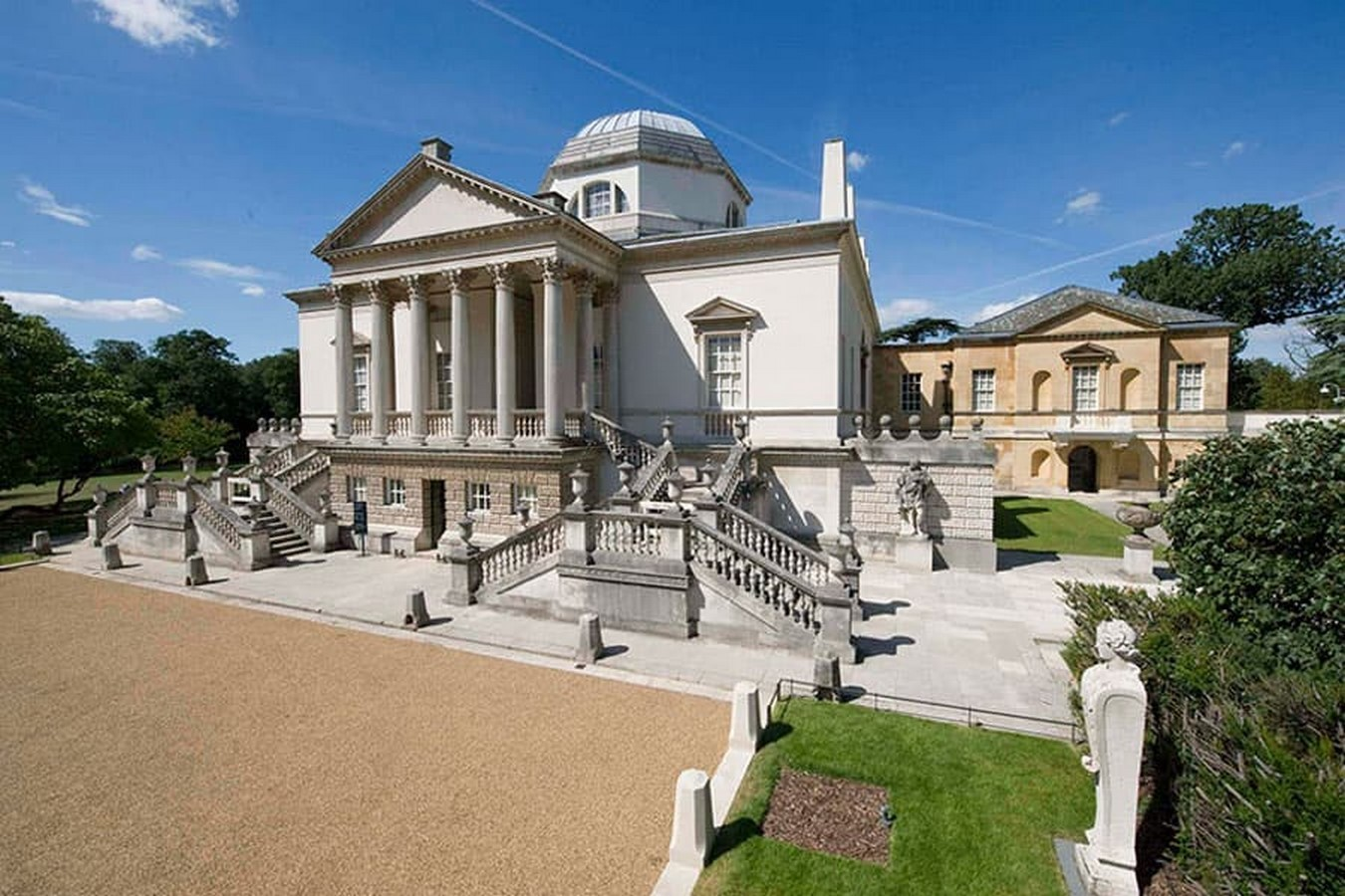 Neoclassical architecture is thought to have developed in two phases: