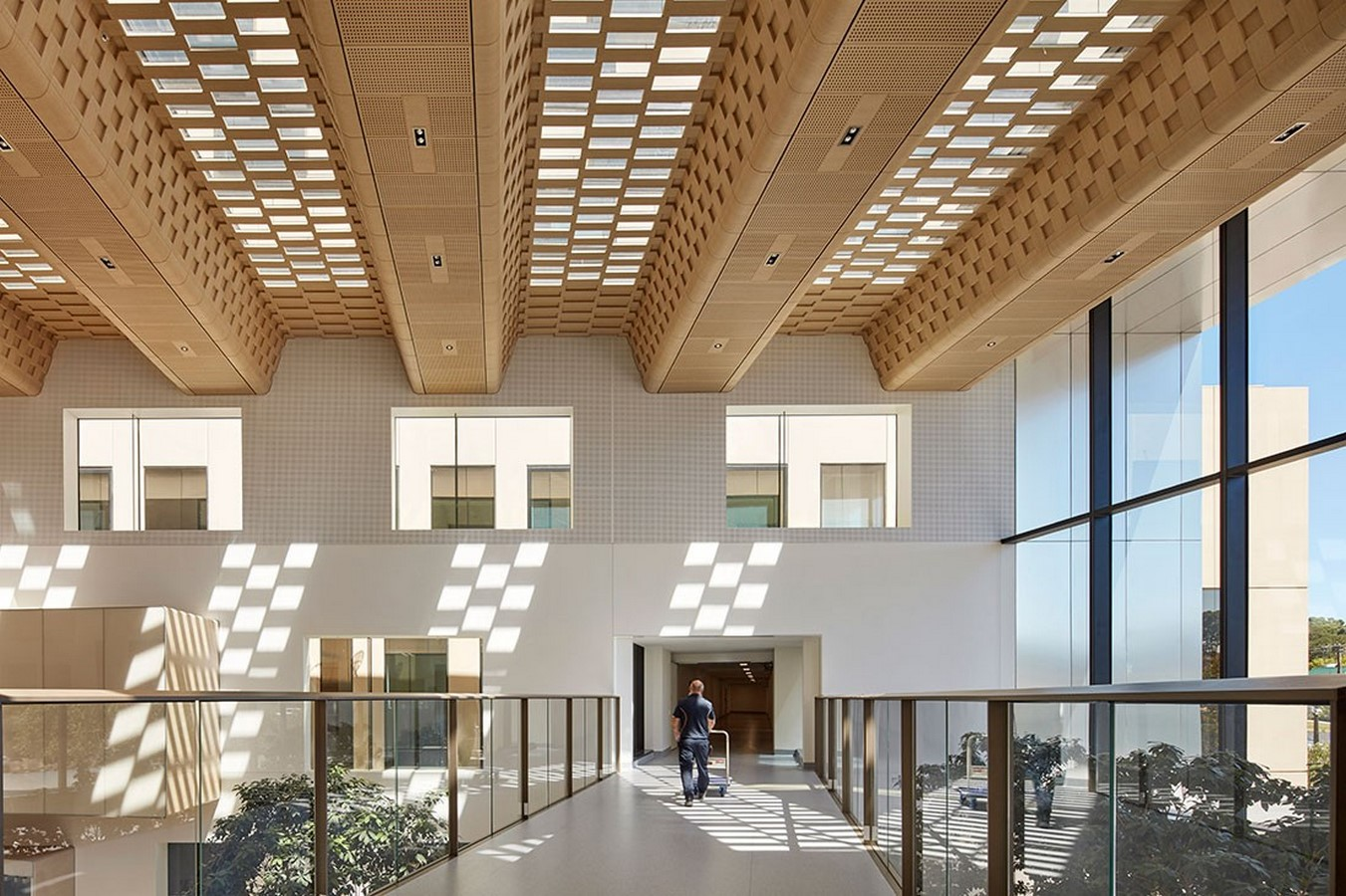 10 Benefits of natural light in architecture - Sheet12